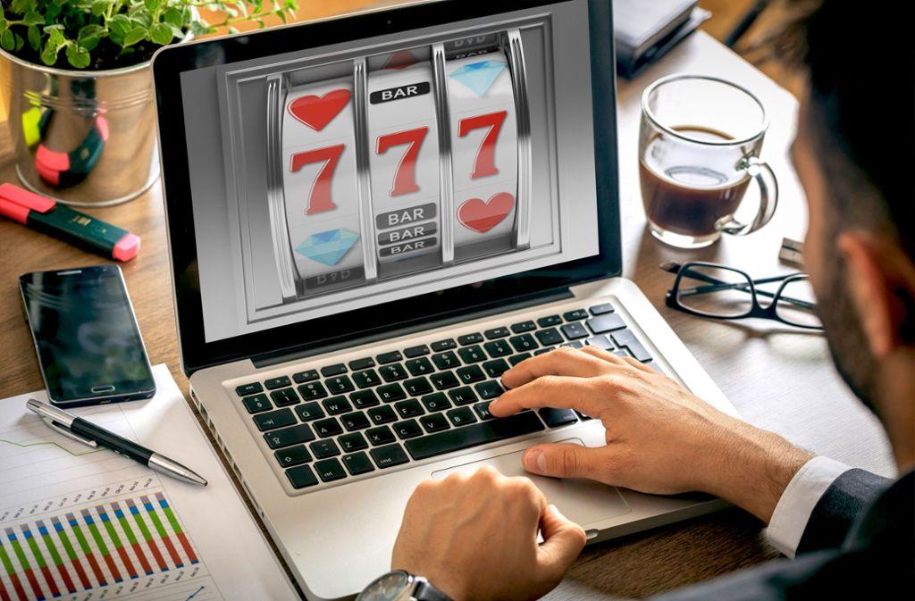 Картинки по запросу Обзор игровых автоматов Champion casino